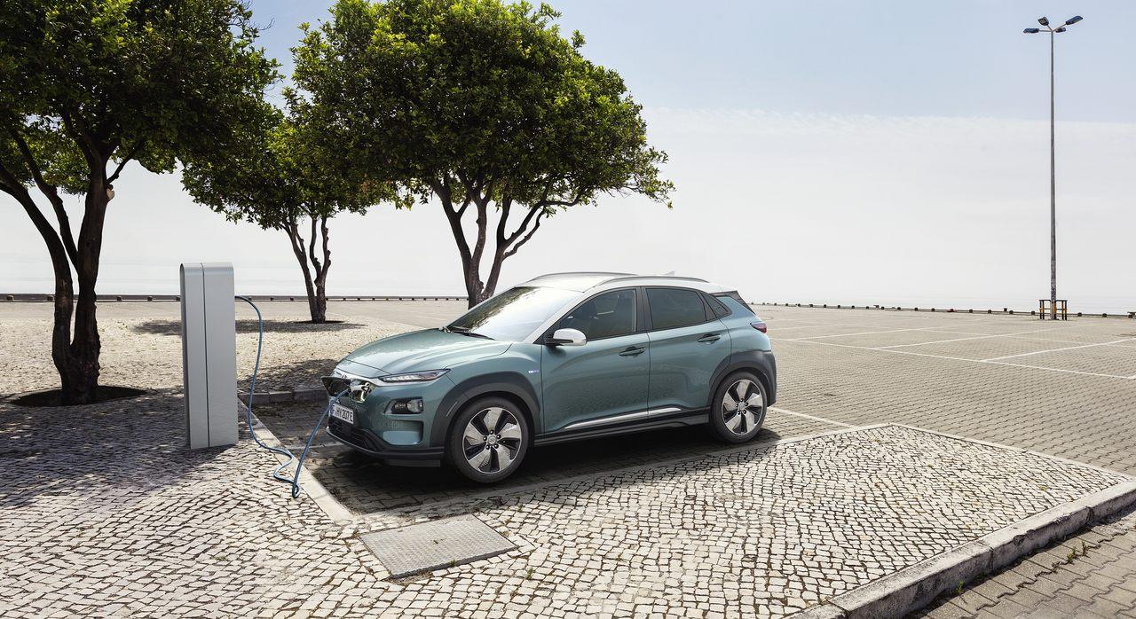 Carros elétricos com maior autonomia -Hyundai Kauai Electric a carregar