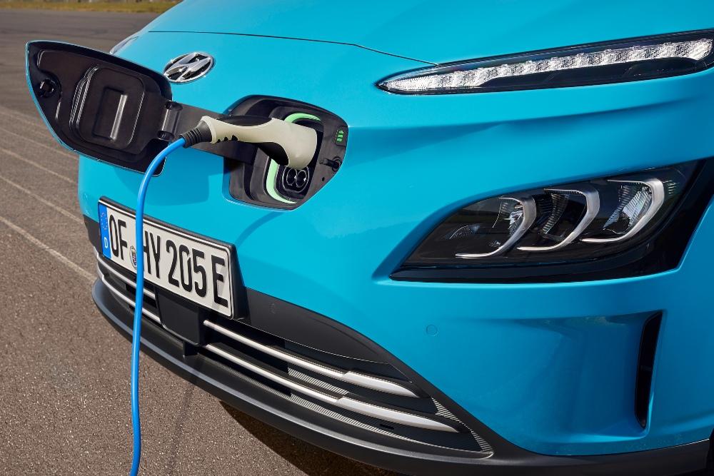 potencia para carregar carros eletricos - hyundai kauai ev