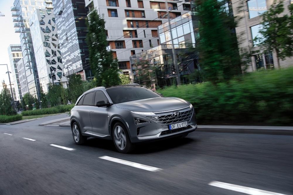 Hyundai NEXO na estrada